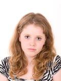 Verticale de jeune belle fille d'adolescent image libre de droits