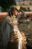 Verticale de jeune belle mariée Image libre de droits