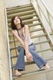 Verticale de jeune femme. Images libres de droits