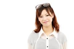 Verticale de jeune femme asiatique heureux avec le glasse Photographie stock libre de droits