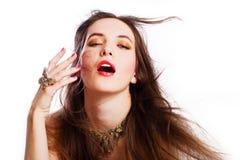 Verticale de jeune femme de luxe de beauté Image libre de droits
