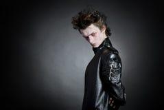 Verticale de jeune goth Images libres de droits