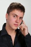 Verticale de jeune homme. photographie stock libre de droits