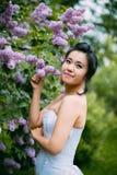 Verticale de jeune jolie mariée Photos stock