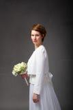 Verticale de jeune mariée images libres de droits