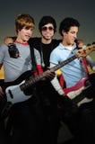 Verticale de jeunes musiciens photos libres de droits