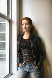 Verticale de jolie femme. Photos libres de droits
