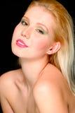 Verticale de jolie fille de cheveu blond photographie stock