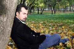 Verticale de l'automne de l'homme Photos libres de droits