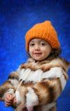 Verticale de l'hiver d'enfant en bas âge Images libres de droits