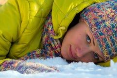 Verticale de l'hiver de la fille Image libre de droits