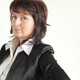 Verticale de la belle femme d'affaires Photo libre de droits