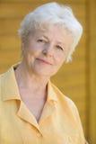 Verticale de la femme âgée Images stock