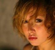 Verticale de la jeune fille Photo libre de droits