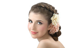 Verticale de la jeune fille avec des couleurs dans le cheveu Photographie stock