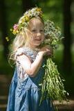 Verticale de la petite fille Photo stock