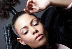 Verticale de luxe de femme de plan rapproché. Mode Photos libres de droits