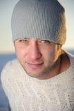 Verticale de mâle de l'hiver. Photos libres de droits