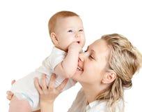 Verticale de mère affectueuse et de son enfant Photographie stock libre de droits