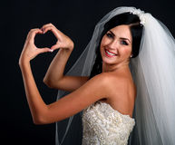 Verticale de mariée heureuse dans la belle robe Photographie stock