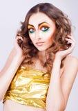 Verticale de modèle de femme de mode Image libre de droits