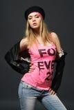 Verticale de mode de jeune fille occasionnelle Image libre de droits