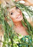verticale de Nature-type d'un jeune femme Photos stock