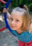 Verticale de petite fille image libre de droits