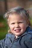 Verticale de petite fille Image stock
