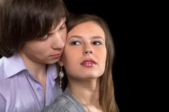 Verticale de plan rapproché d'un jeune couple Photos stock
