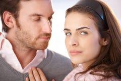 Verticale de plan rapproché de jeunes couples Image libre de droits