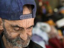 Verticale de vieil homme photographie stock libre de droits