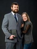 Verticale des couples heureux dans l'amour Photo stock