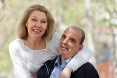 Verticale des couples mûrs Images libres de droits