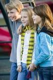 Verticale des enfants au stationnement Image libre de droits