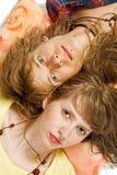 Verticale des jeunes beaux couples Photo stock