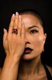 Verticale des yeux asiatiques de la belle mode woman Image stock