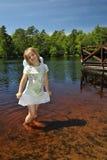 Verticale douce d'été de fille Photo libre de droits