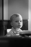 Verticale du petit garçon Images libres de droits