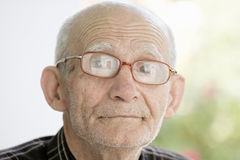 Verticale extérieure de vieil homme Photo stock