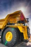 Verticale grote afstandsvrachtwagen Stock Foto's