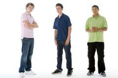 verticale intégrale de garçons d'adolescent images stock
