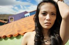 Verticale magnifique de mode de Latina Photographie stock