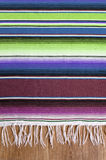 Verticale mexicaine traditionnelle de fond de couverture ou de couverture de serape du cinco De Mayo du Mexique photos libres de droits