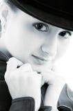 Verticale noire et blanche de fille Photographie stock