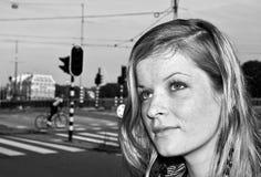 Verticale noire et blanche urbaine Photographie stock libre de droits
