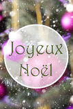 Verticale Rose Quartz Balls, Joyeux Noel Means Merry Christmas Stock Foto's