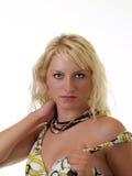 Verticale sensuelle de l'adolescence blonde assez jeune photographie stock libre de droits