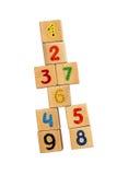 Verticale toren van houten kubussen Stock Foto