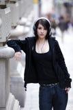 Verticale urbaine de fille Images libres de droits
